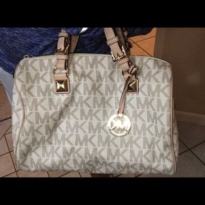 Michael Kors Grayson  White Cream with MK Logo